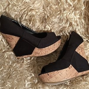 BCBG high wedges